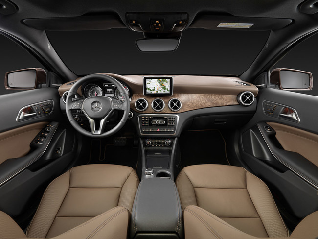 Mercedes-Benz GLA 2013, vista interior