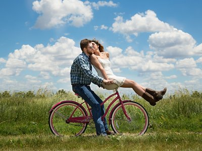 ¿Vives el amor como si estuvieras en el instituto? Quizá te has enganchado a una relación adultescente