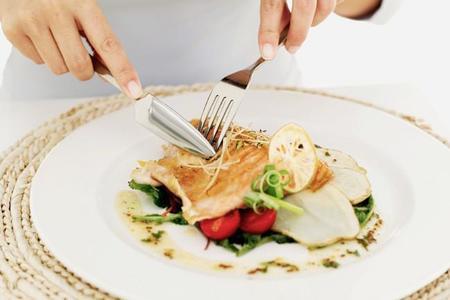 Cómo lograr una cena adecuada si buscas perder peso