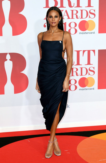 Alfombra Roja Brit Awards 2018 Alesha Dixon Jacquemus