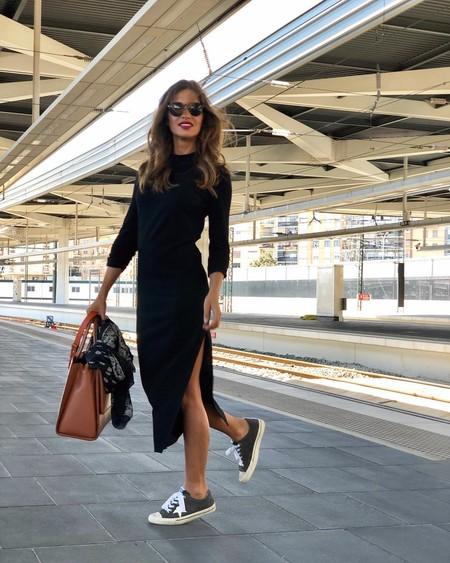 Sara Carbonero deja claro que menos es más y que el negro también se lleva en primavera: te contamos como imitar el look