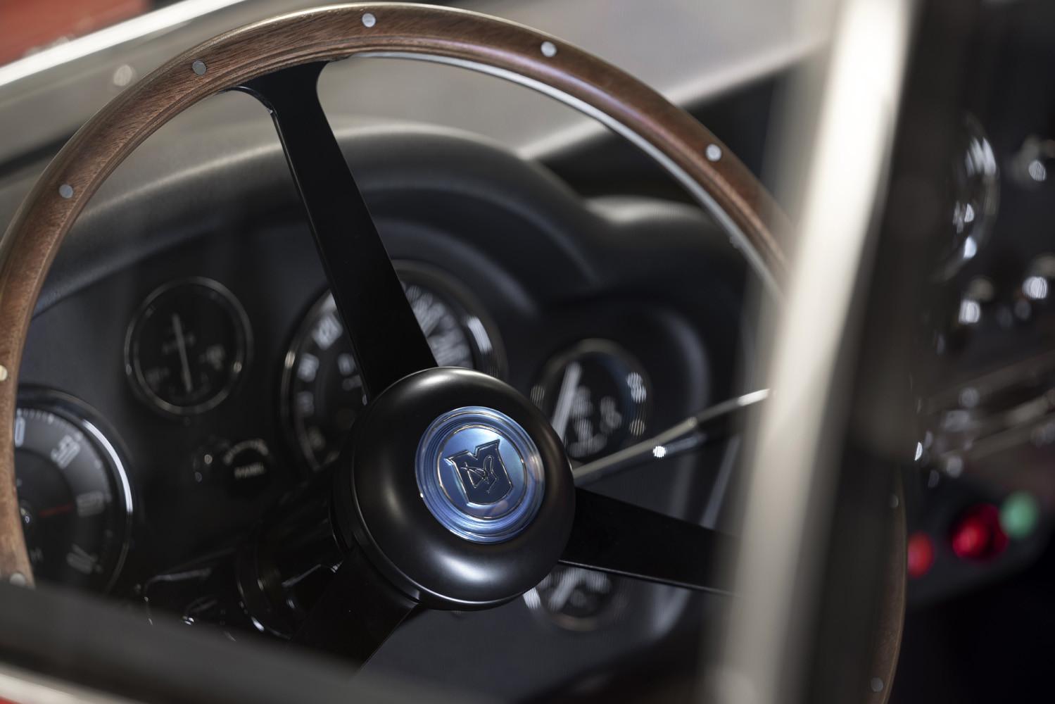 Foto de Aston Martin DB4 GT Zagato Continuation (17/21)