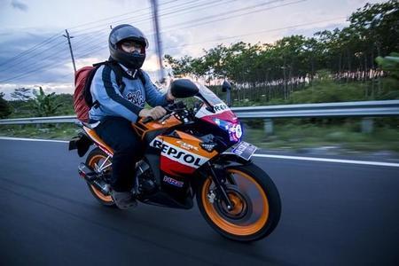 Moto colores Repsol
