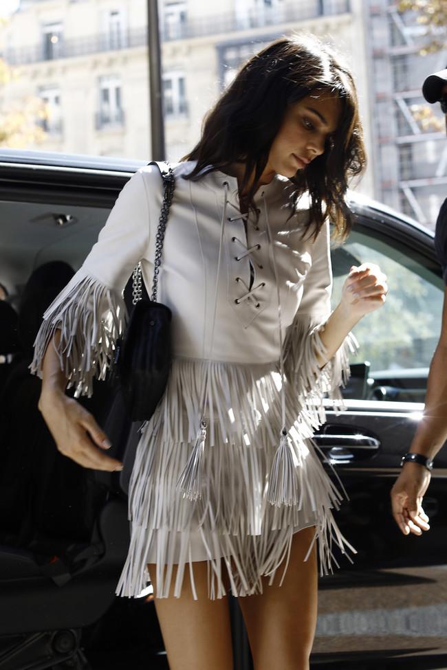 Kendall Jenner se adelanta a todo el mundo y luce una de las futuras tendencias que arrasará en moda