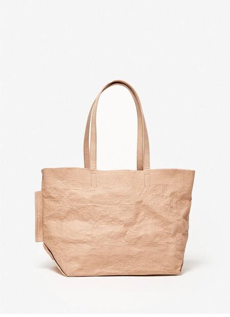 https://www.adolfodominguez.com/es-es/shopper-arrugado-con-bolsa-extraible-212141570201.html