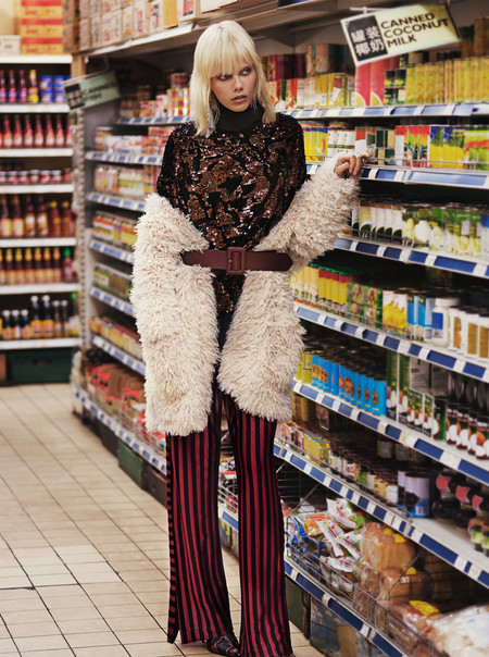 Los contrastes y el toque oriental aterrizan en la nueva campaña de Zara 'Lights Galore'. ¿Te animas a lucir igual?