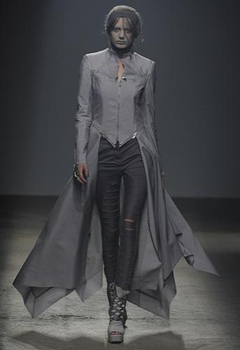 Gareth Pugh, Primavera-Verano 2010 en la Semana de la Moda de París II