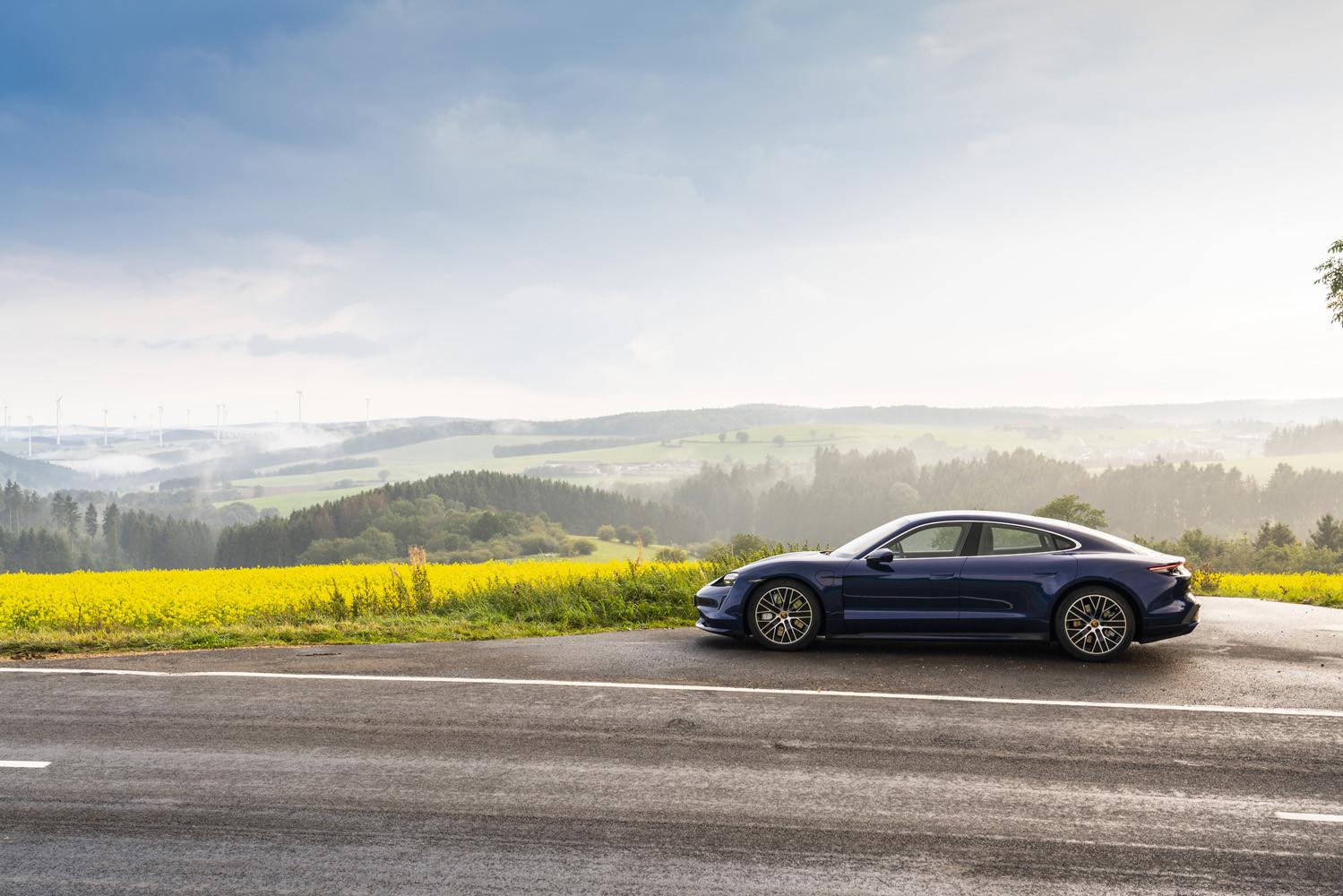 Foto de Porsche Taycan prueba contacto (34/275)