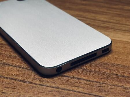 Aparecen imágenes de un iPod touch 5 con el diseño de un iPhone 12