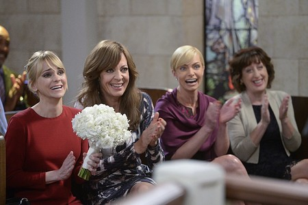 'Mom' renovada por dos temporadas más: Anna Faris y Allison Janney seguirán en la sitcom tras un generoso aumento de sueldo