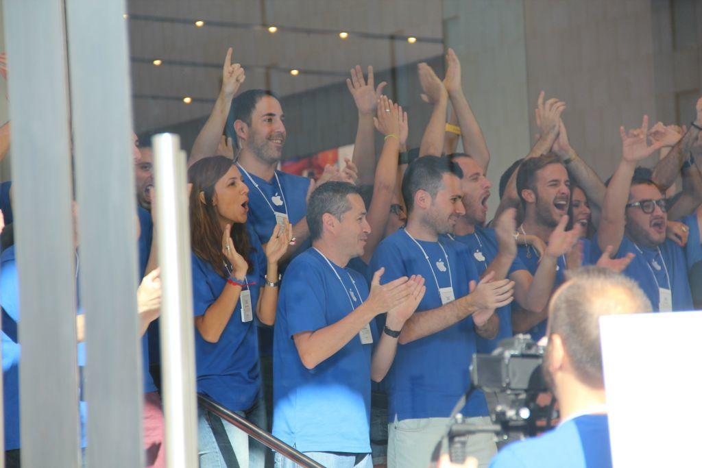 Foto de Inauguración de la Apple Store del paseo de Gracia (6/27)