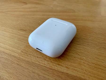 Cómo limpiar los AirPods 2 siguiendo las recomendaciones oficiales de Apple