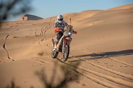 Sam Sunderland se pone líder de la general del Dakar en una etapa maratón que pasó factura a Toby Price