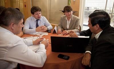 ¿Son equitativas las negociaciones empresariales?