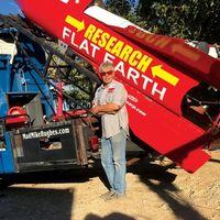 Los terraplanistas no levantan cabeza: Mike Hughes vuelve a fracasar con su cohete artesanal