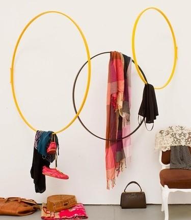 """Perchero para nostálgicos del """"hula hoop"""""""