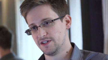 """Edward Snowden """"inspirado"""" por héroes los videojuegos"""