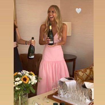 Lucía Bárcena luce un vestido precioso en la fiesta de su preboda: un diseño de la firma de invitadas que arrasa en Instagram