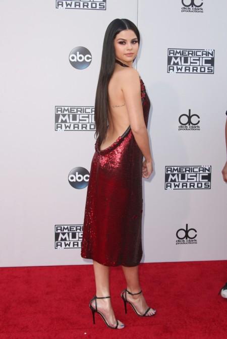 Selena Gomez Givenchy American Music Awards 2015 3