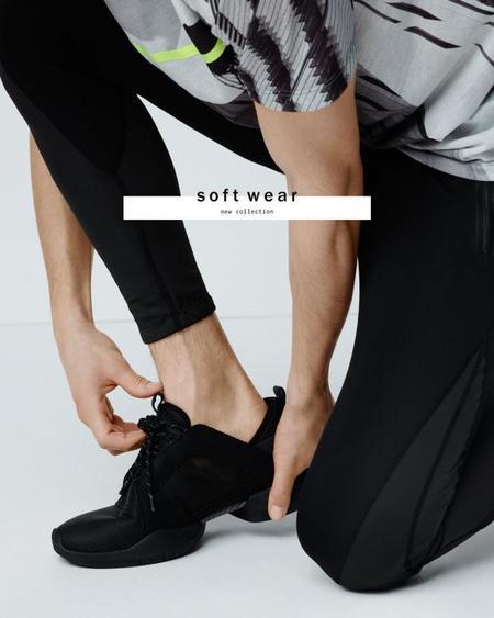 Olvídate del color: Zara le apuesta al blanco y negro en su línea softwear