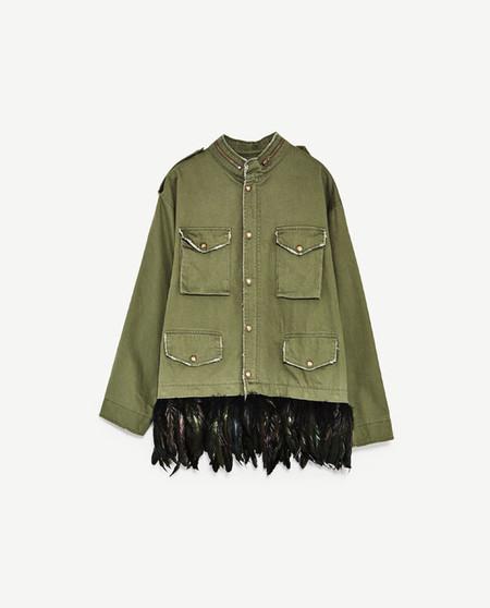 street style tendencia plumas shopping