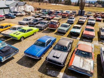 Se vende propiedad en Canadá por 1 millón de dólares, incluida una colección de más de 340 coches clásicos