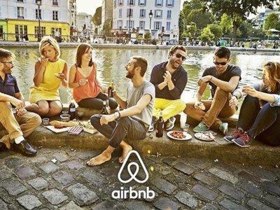 Los usuarios de Airbnb de Barcelona llaman a sabotear la web de detección de la ciduad