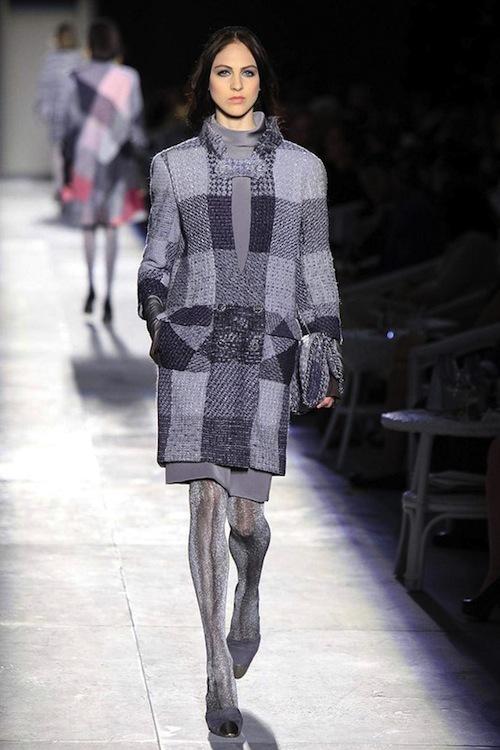 Foto de Chanel Alta Costura Otoño-Invierno 2012/2013: rosa, gris, brillos y nuevo vintage (6/61)
