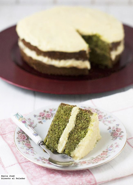 Pastel de té verde japonés y crema de naranja, receta de postre para una celebración especial