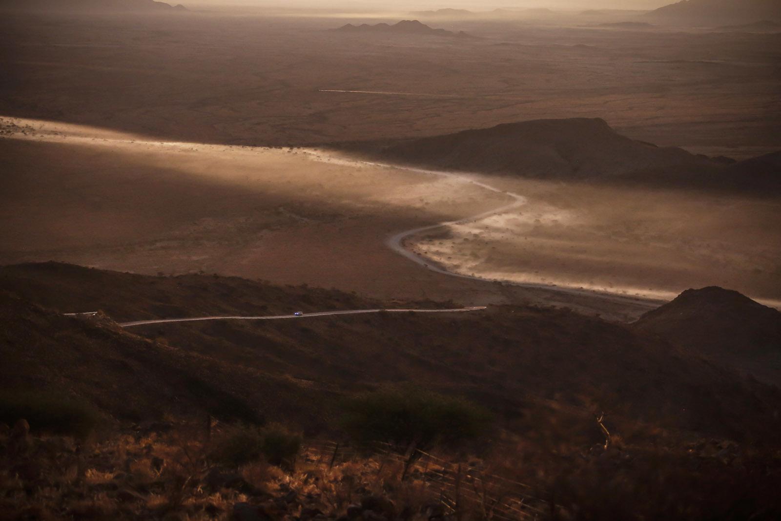 Foto de Toyota Hilux 2016 Namibia (43/74)