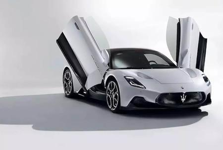 El nuevo Maserati MC20 de 630 CV y 1.470 kg se deja ver horas antes de su presentación oficial