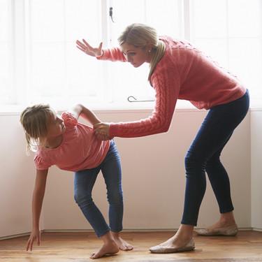 La Academia Americana de Pediatría es contundente contra los azotes: 10 claves para educar sin castigos ni gritos