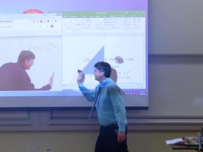 Este profesor se ha tomado el April Fools' Day como la excusa perfecta para hacer enloquecer a sus alumnos