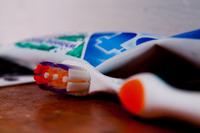 Una mujer embarazada perdió a su hijo por una infección en las encías
