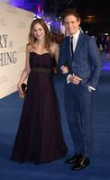 Eddie Redmayne se casa sin avisar y se nos promete Jonathan Rhys Meyers