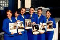 Polémica por el calendario benéfico de Ryanair con sus azafatas en biquini
