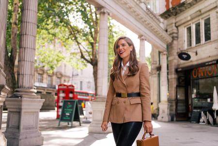 Los pantalones de cuero se convertirán en tu segunda piel: 17 ideas de street style en la que inspirarnos