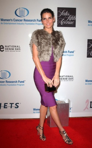 Alfombra Roja solidaria en la Unforgettable Evening: Angie Harmon