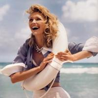 En la playa con estilo: looks de verano, según Carine Roitfeld