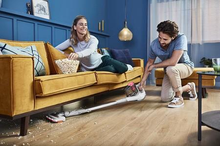 Ofertas de Amazon en robots aspiradores y aspiradores verticales de marcas como Roomba, Hoover, Philips o Experobot
