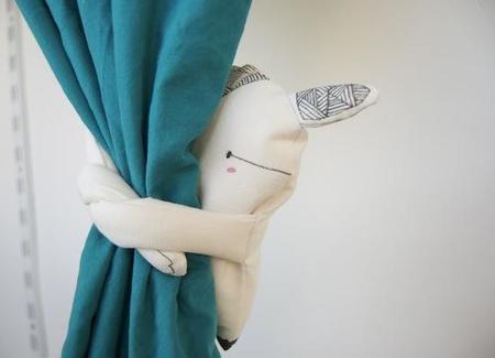 Los divertidos abrazacortinas de María Diamantes