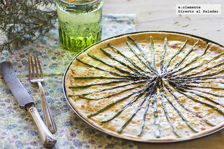 Receta de tarta de espárragos con masa de queso gruyère