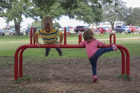 Si tu hijo realiza ejercicio físico obtendrá beneficios para su salud y desarrollo
