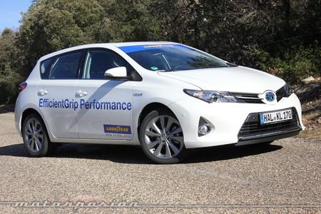 Goodyear EfficientGrip en un Toyota Auris HSD