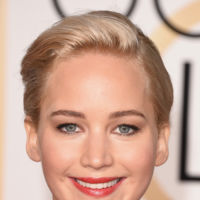 Jennifer Lawrence, la mujer de rojo vestida y maquillada por Dior