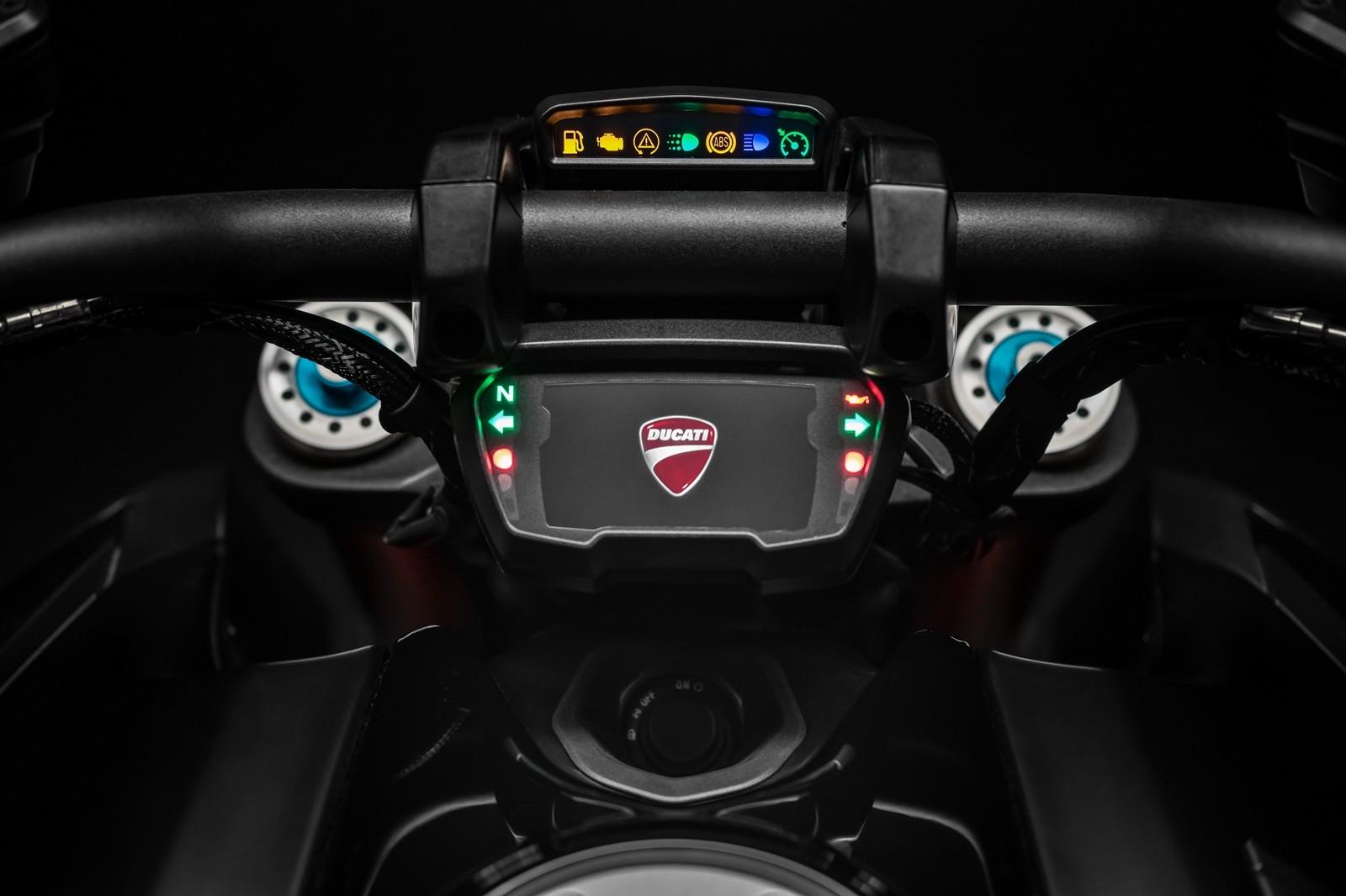 Foto de Ducati Diavel 2019 (35/50)