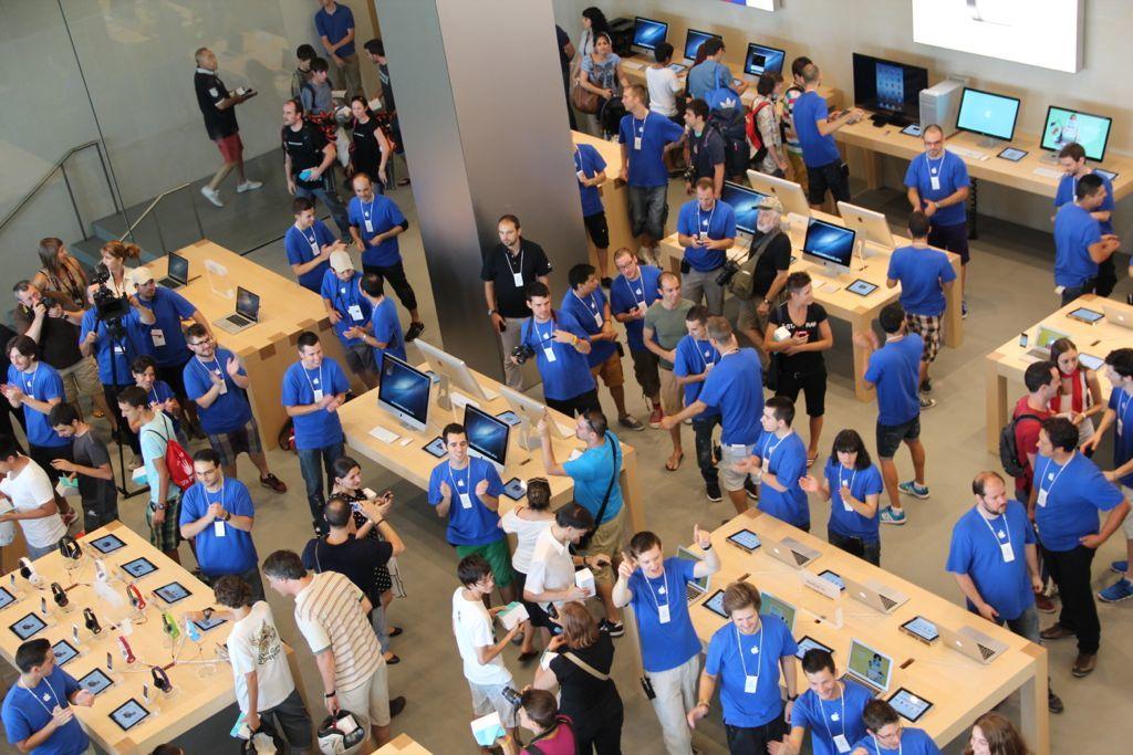 Foto de Inauguración de la Apple Store del paseo de Gracia (24/27)