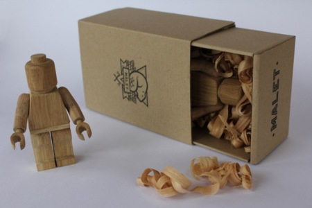 Figuras de LEGO en madera
