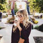 Café descafeínado o con cafeína: cuál elegir según lo que buscas y qué beneficios te aporta cada versión