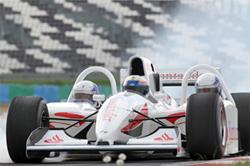 Si quieres montar en un Fórmula 1 en Montmeló,  puedes.